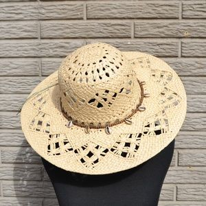 ••straw sun hat with shell detail new••